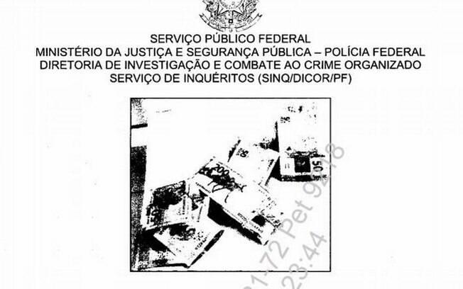 Foto feita pela PF de dinheiro apreendido na cueca do senador Chico Rodrigues (DEM-RR), aliado de Bolsonaro