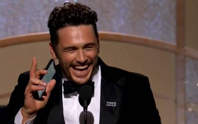 James Franco no palco para receber seu Globo de Ouro