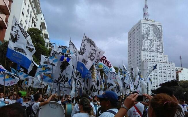 Manifestações acontecem em todo o país para relembrar 40 anos do Golpe Militar