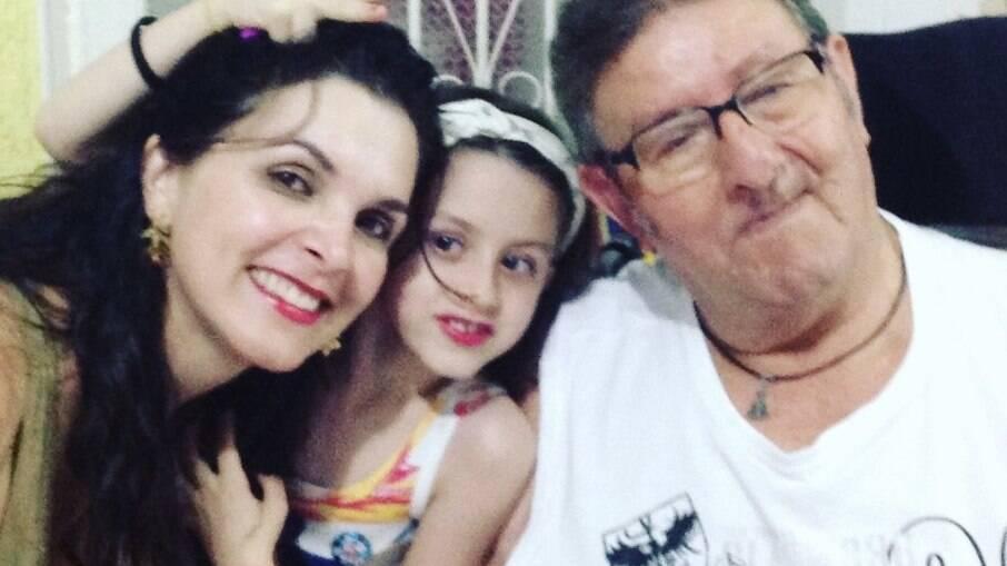 Luiza Ambiel presta homenagem ao pai na web