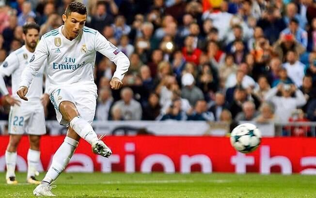 Cristiano Ronaldo na Juventus custaria 30 milhões de euros anuais,. E  funcionários da Fiat não têm aumento há dez anos