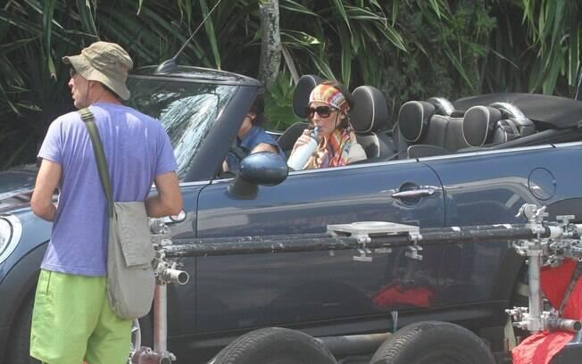Deborah Secco durante gravações de