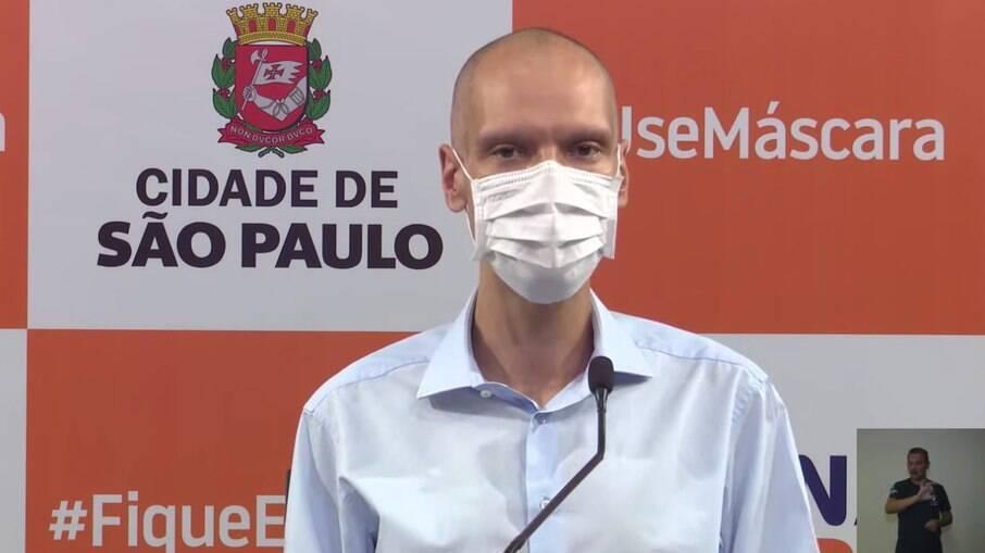 Bruno Covas anunciou novas medidas contra a Covid-19 na capital paulista