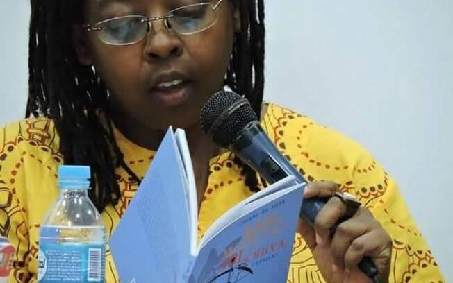 A escritora Cidinha da Silva abordará a arte literária no debate de sábado