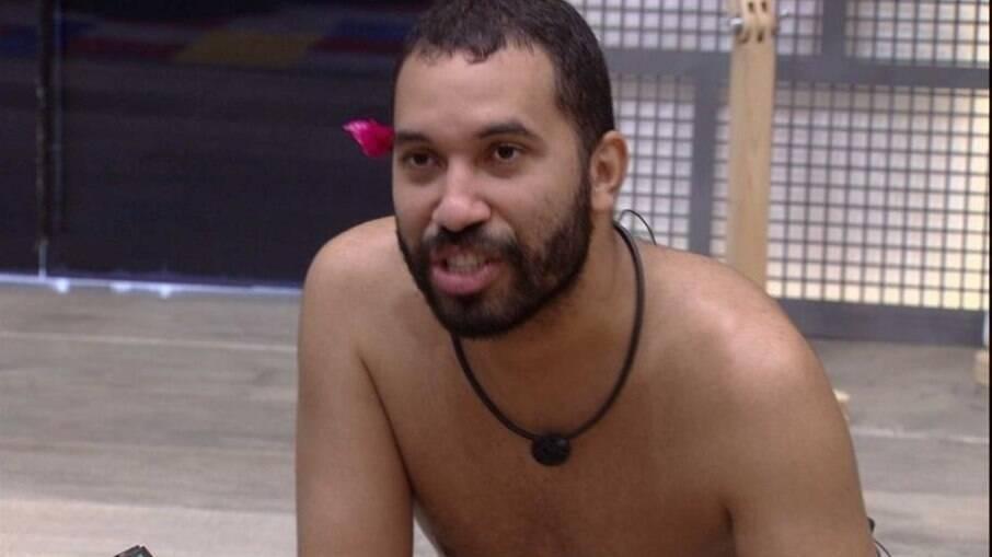 Gilberto comentou sobre o ex-brother com Karol Conká