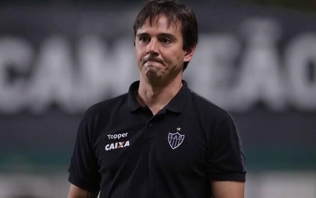 Atlético Mineiro anuncia demissão do técnico Thiago Larghi