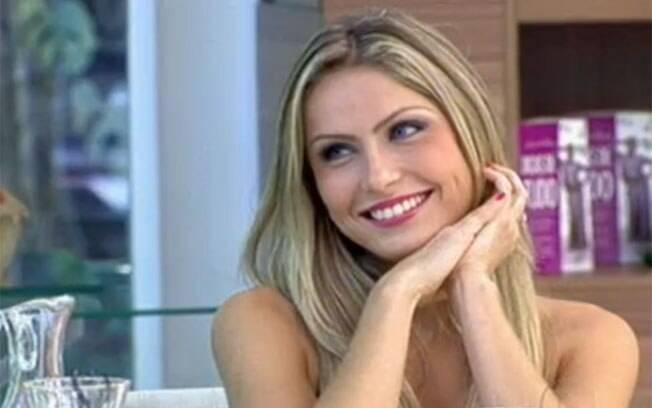 Renata será a primeira participante do BBB 12 a posar nua