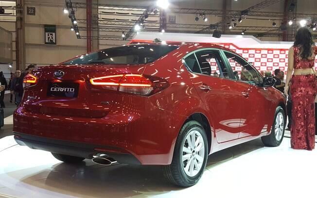 Em versão única, o Kia Cerato chega às lojas até o fim de novembro, por R$ 76.990