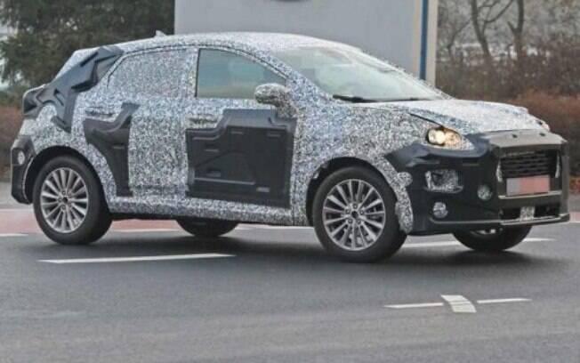 Nova geração do Ford EcoSport roda disfarçado antes da apresentação oficial, no ano que vem, na Europa