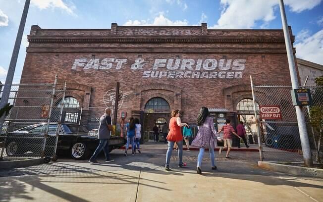 Universal Studios tem nova atração, um simulador temático que leva os visitantes a se sentirem em
