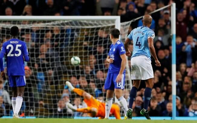Kompany marcou o gol da vitória do Manchester City contra o Leicester nessa segunda-feira