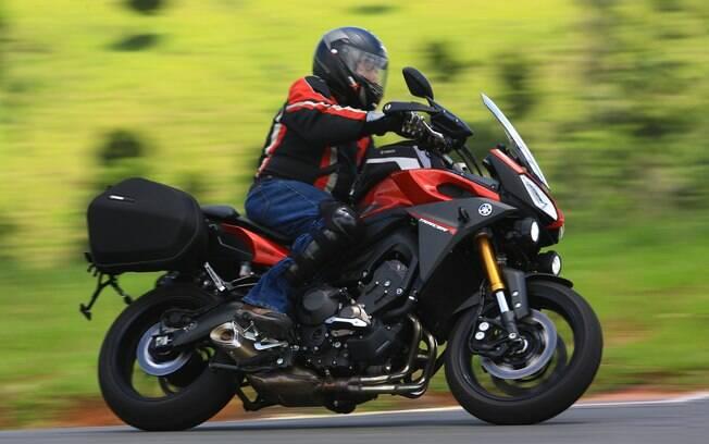 A Yamaha MT-09 Tracer é uma aventureira com a agilidade de uma moto de porte médio