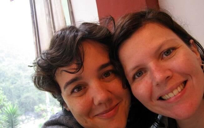 Cristiana Serra e Juliana Luvizaro se conheceram na igreja e lá começaram a namorar