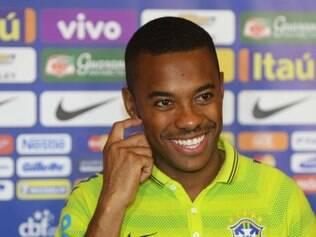 Robinho vai dar conselhos aos jogadores estreantes na seleção sobre como enfrentar a Argentina