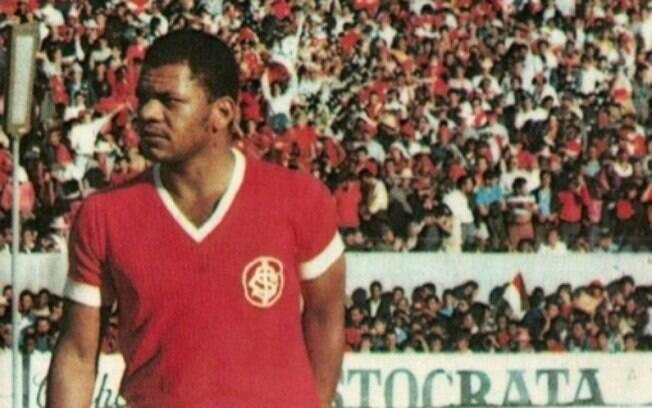 Claudiomiro fez o primeiro gol do estádio do Internacional e tem seis títulos pelo clube