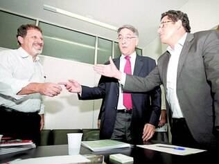 Agenda. Fernando Pimentel se reuniu ontem com Sindicato das Empresas de Revenda de Pneus de Minas
