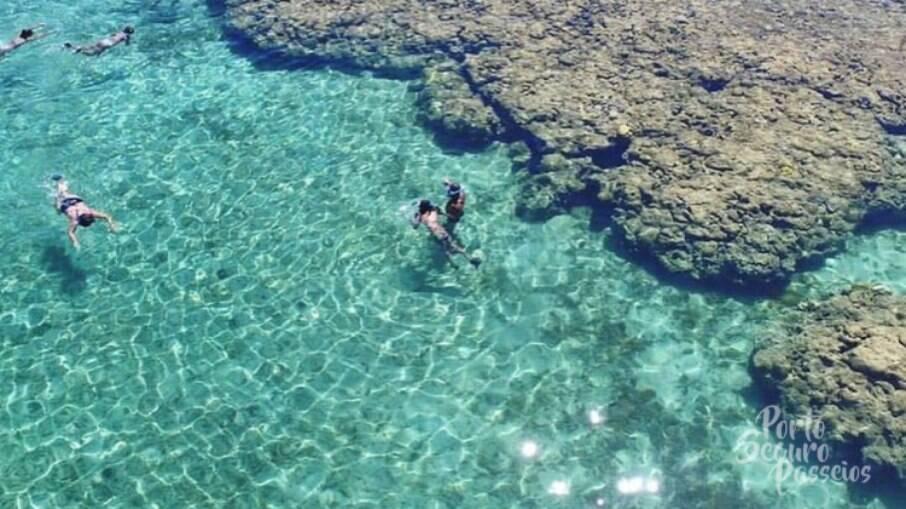O Parque Marinho de Recife de Fora possui ainda diversas piscinas naturais