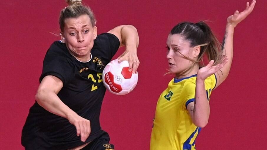 Brasil perde para Suécia no handebol feminino e precisará pontuar na última rodada