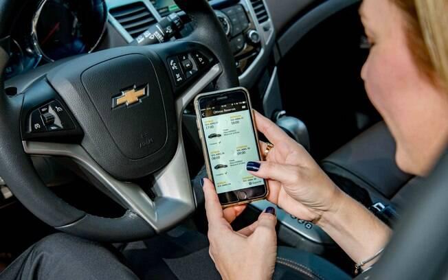 Compartilhamento de carros da GM e o sistema On Star estão entre os poucos exemplos de conectividade no Brasil