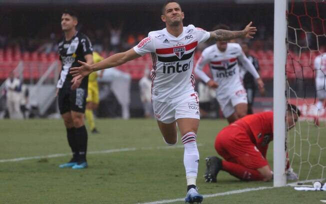 Pato voltou a marcar em São Paulo x Ponte Preta