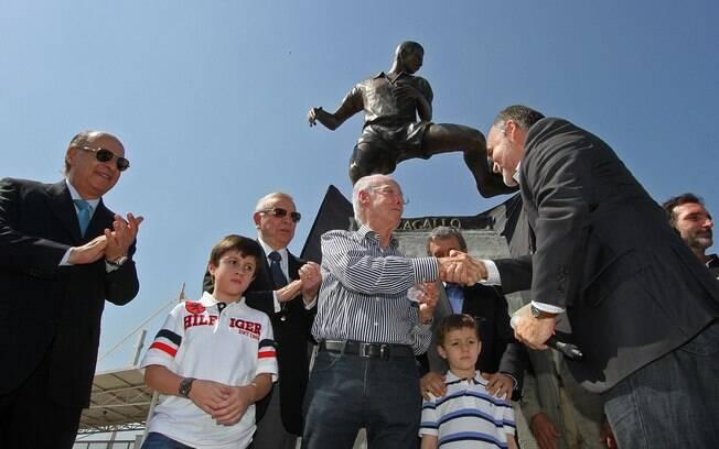 Zagallo ganha estátua no Engenhão