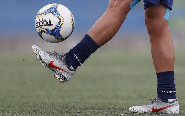 Maioria dos jogadores de futebol no Brasil recebe salário miserável