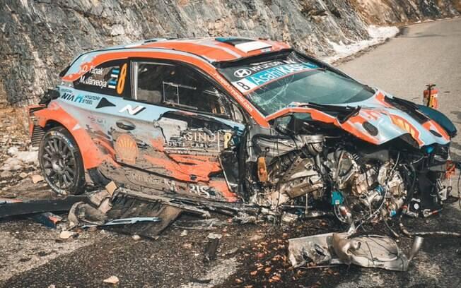 Estado do carro após o acidente
