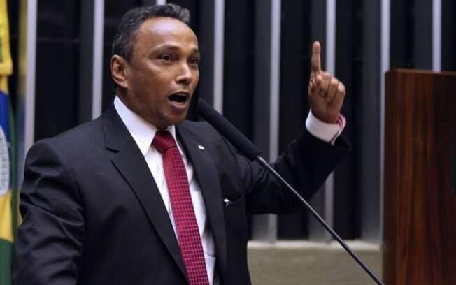 Sibá Machado, líder petista, atacou a estratégia de blindagem do PSDB