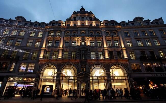 Apple Store localizada em Regent Street, Londres, foi a primeira loja aberta na Europa, em 2004
