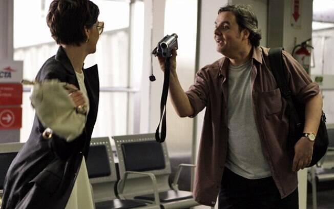 Paula e Kleber se desentendem no aeroporto