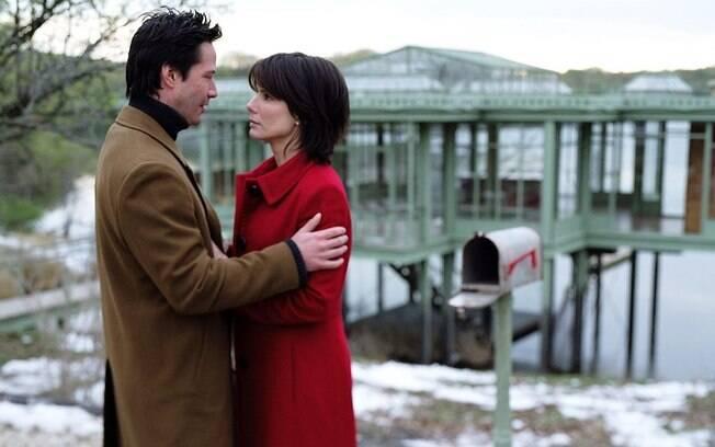A química entre Sandra Bullock e Keanu Reeves nesse filme é sensacional!