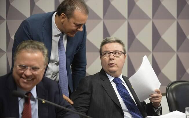 À mesa, os senadores Blairo Maggi (PR-MT), Ataídes Oliveira (PSDB-TO) e o relator da CEI2016, senador Antonio Anastasia (PSDB-MG). Foto: Jefferson Rudy/Agência Senado
