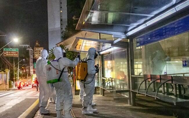 Desinfecção nas ruas de Campinas para combater o novo coronavírus.