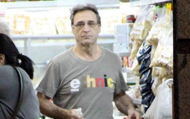 Herson Capri foi até uma padaria próxima de sua casa