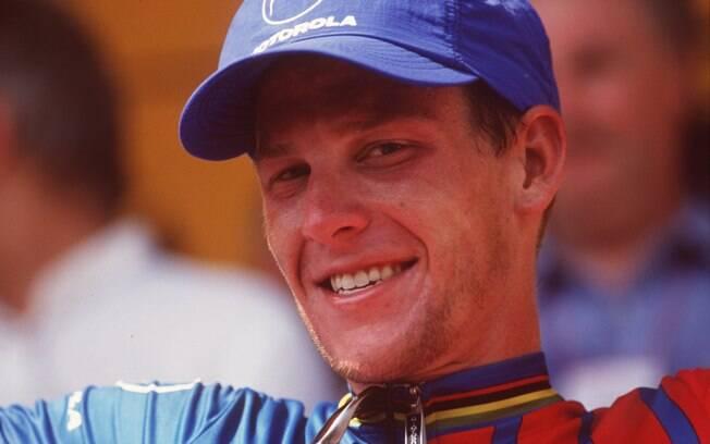 Antes do diagnóstico, ele já tinha competido  e vencido etapas da Volta da França, como esta, em  1995