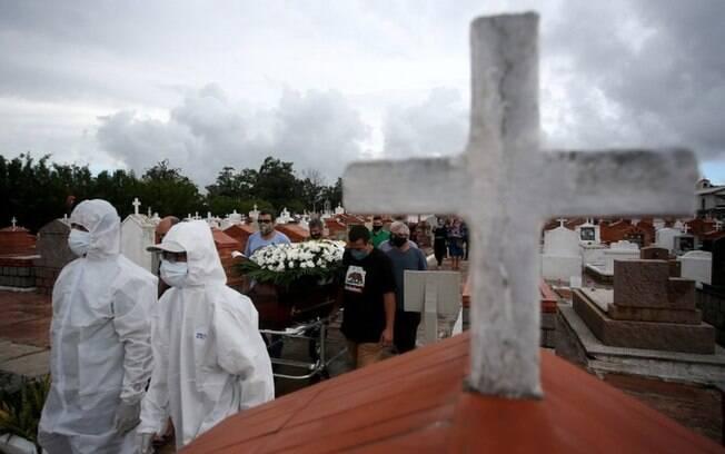 'Tragédia anunciada': os fatores que levaram a região Sul ao colapso com mortes por covid