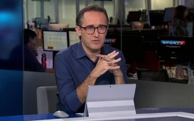 Apresentador do Grupo Globo perde os óculos e revela: 'Não sei como vai ser o programa'
