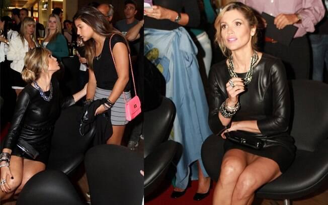 A atriz chamou a atenção com seu vestidinho de couro, exibindo os pernões