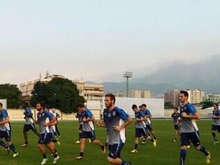 Itália treinou nesta tarde de sexta no campo secundário do estádio Engenhão