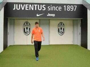 Jovem de apenas 21 anos  teve azar em seu primeiro treino com equipe de Turim