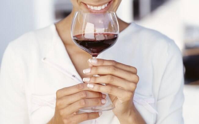 Beber vinho faz bem? Sim e não, segundo os especialistas