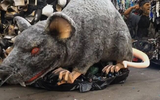 Com ratos, a Tatuapé lembrou o ano em que a Beija-Flor de Nilópolis foi censurada no carnaval. Foto: Reprodução/TV Globo
