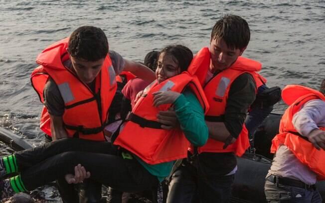 Refugiados principalmente da Síria vão em direção a Europa para buscar melhores condições