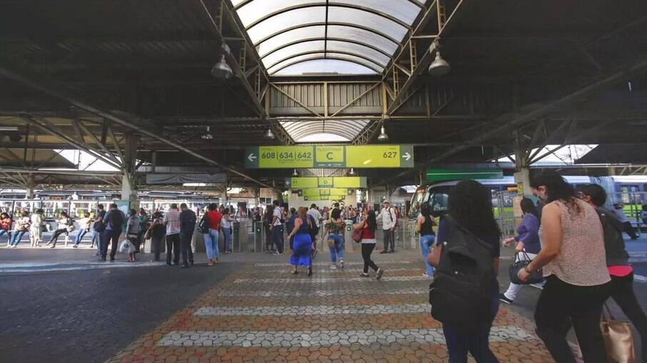 Estação de metrô em BH