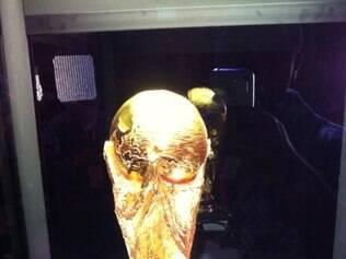 Taça da Copa do Mundo foi exposta em Porto Alegre neste fim de semana