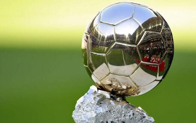 Bola de Ouro é uma tradicional premiação concedida pela revista France Football