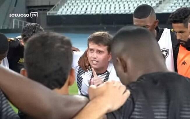 Preparador do Botafogo usa referência de Peaky Blinders