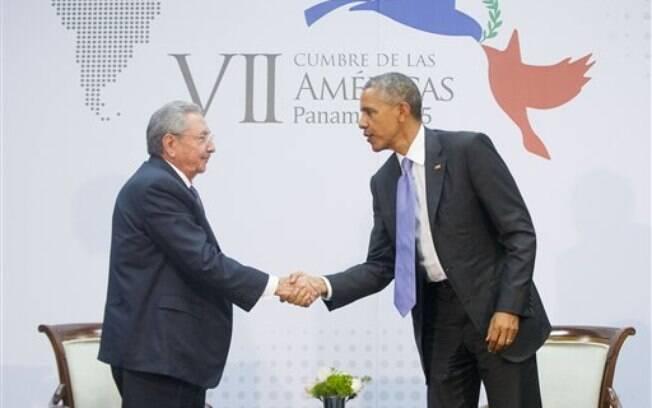 Raúl Castro e Obama: abertura entre os dois países será gradual