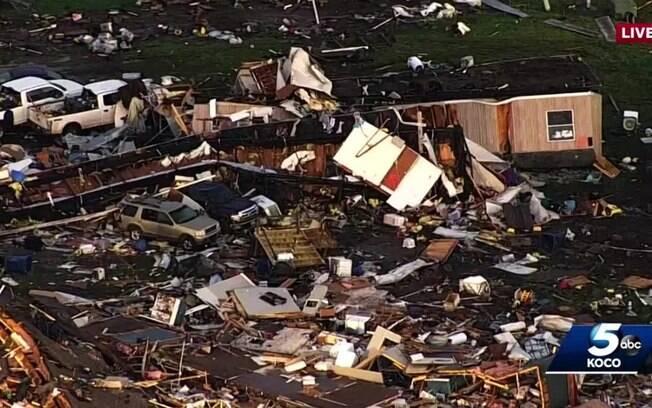 Tornado em El Reno, pequena cidade dos Estados Unidos, deixa ao menos dois mortos