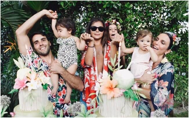 As filhas de Ivete Sangalo comemoraram o primeiro ano de vida em uma festa tropical no Farol do Forte, na Bahia